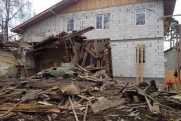 sugriautas-namas